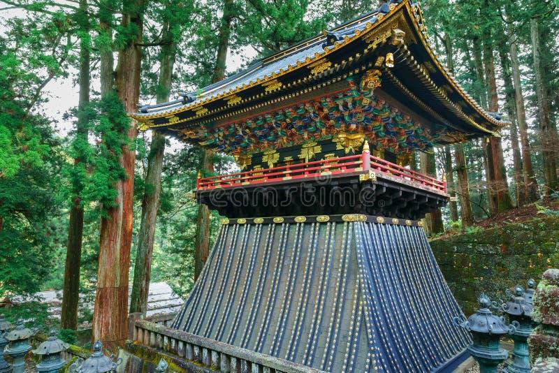 Valstorn (Koro) på Taiyuinbyo - mausoleet av Tokugawa Iemitsu royaltyfria foton