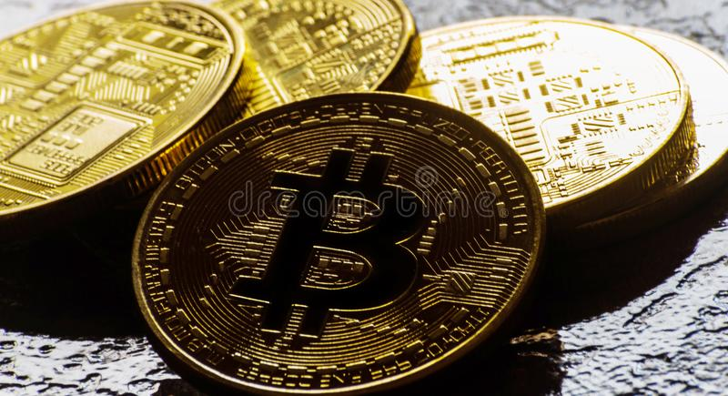 Valuta cripto Bitcoin dorato, BTC, moneta macro presa, bitcoin MI fotografia stock libera da diritti