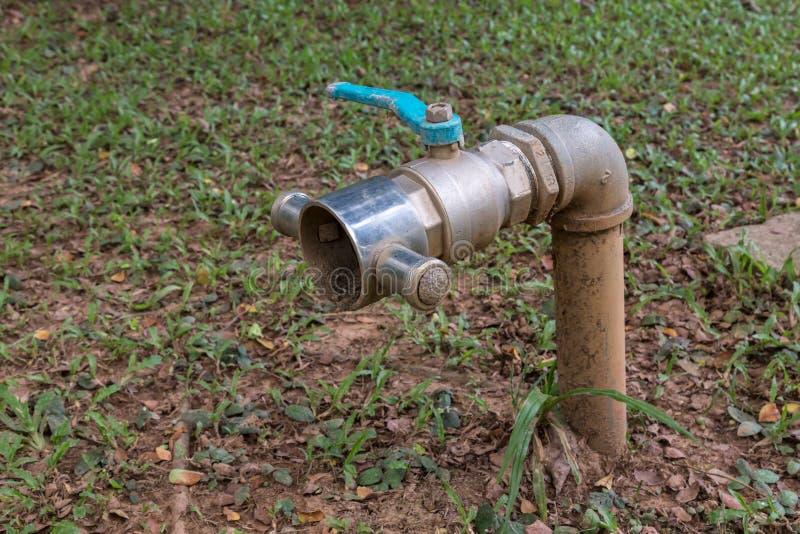 Valve sale de l'eau photographie stock libre de droits