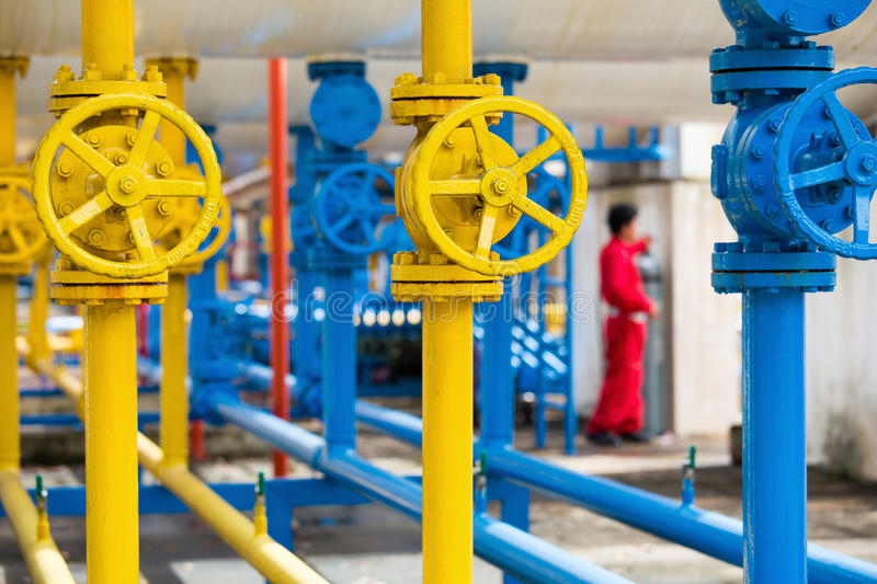 Valves at gas plant, Pressure safety valve and gas line pipe the. Se valve will automatic close when emergency stock photos