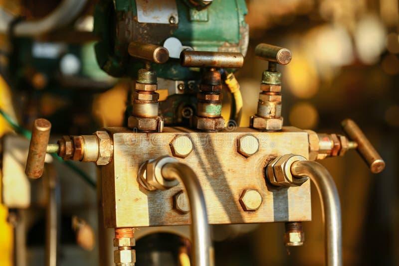 Valves manuelles dans le processus de fabrication Valve manuelle utilisée de processus de fabrication pour commander le système,  photos libres de droits