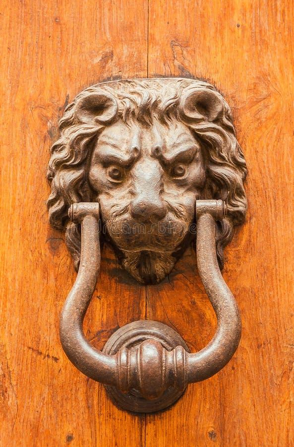 Valvola della porta del leone fotografie stock