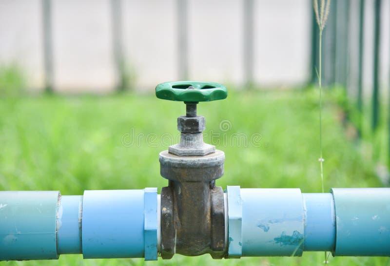 Valvola della tubatura dell'acqua fotografia stock
