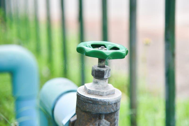 Valvola della tubatura dell'acqua immagine stock