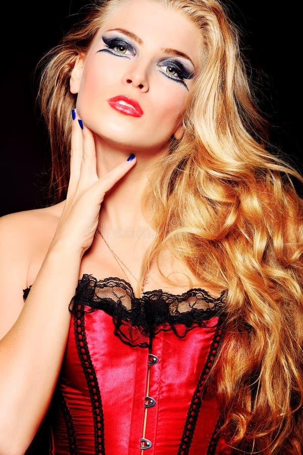 Download Vamp妇女 库存照片. 图片 包括有 成人, 化妆用品, 可爱, 夫人, 设计, 方式, 有吸引力的, 魅力 - 22355922