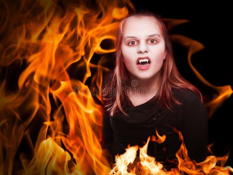 Vampire sur le feu image libre de droits