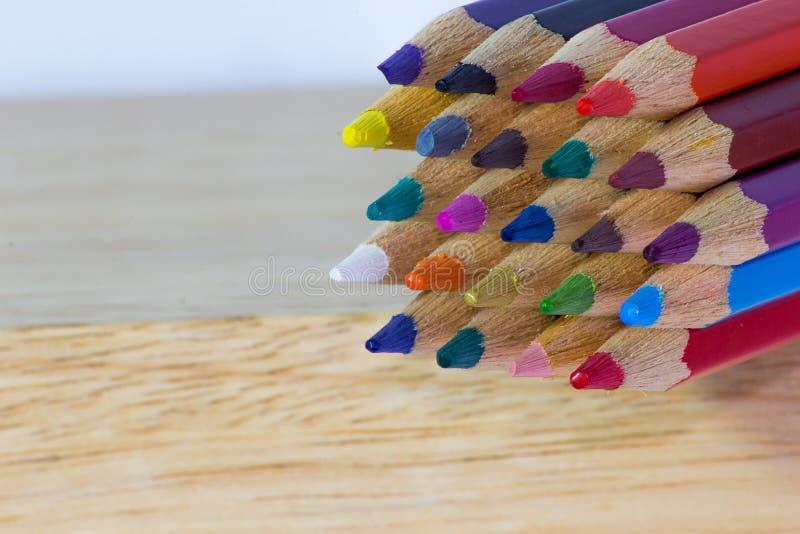 Van achtergrond kleurenpotloden close-up stock fotografie