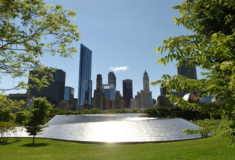 Van BP Voet de Brug en van Chicago wolkenkrabbers royalty-vrije stock afbeeldingen