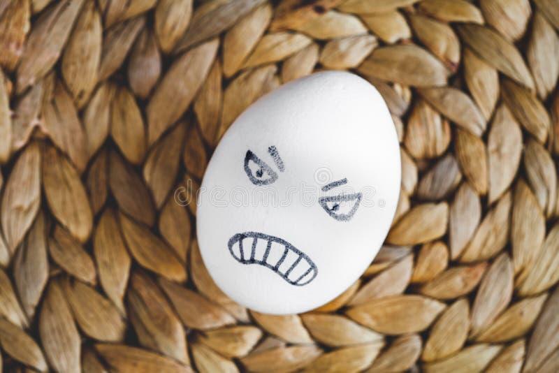 Van concepten menselijke verhoudingen en emoties eieren - woede royalty-vrije stock fotografie