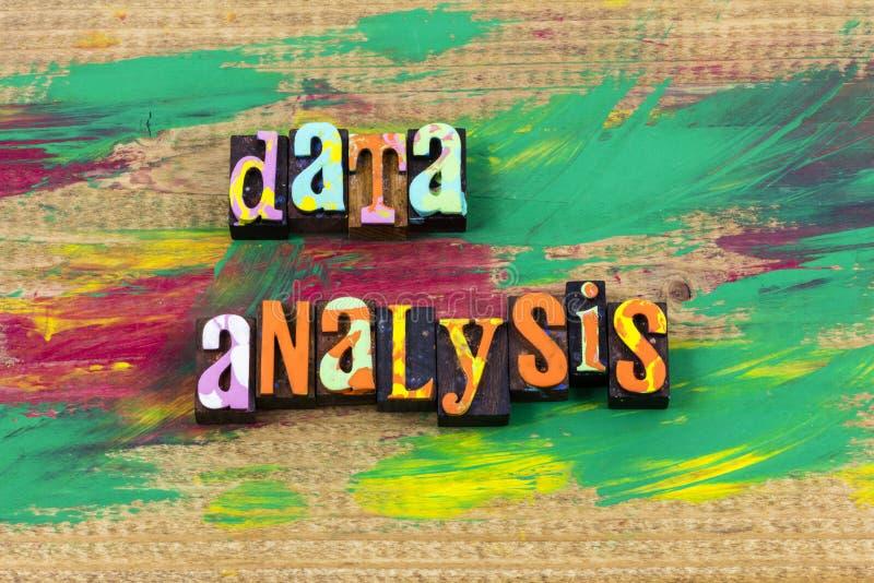 Van de analyticsinzameling van de gegevensanalyse van het het beheersplatform het letterzetselcitaat royalty-vrije stock fotografie