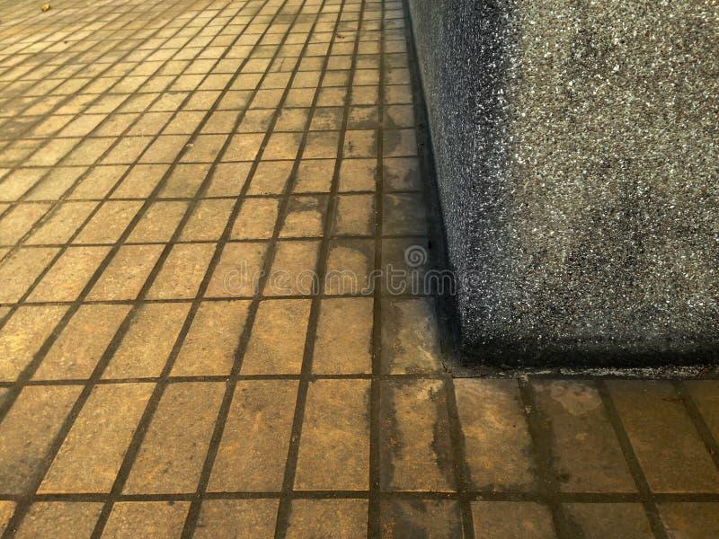 Van de baksteenvloer Zwart-wit textuur als achtergrond, stock foto's