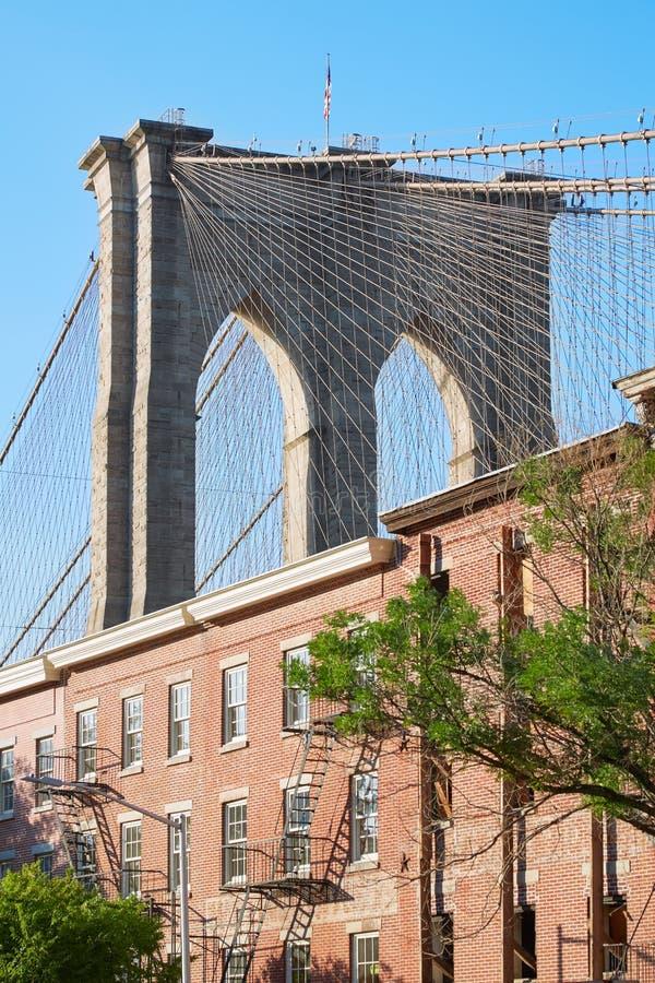Van de Brugpijler en New York van Brooklyn rode bakstenenvoorgevels stock foto