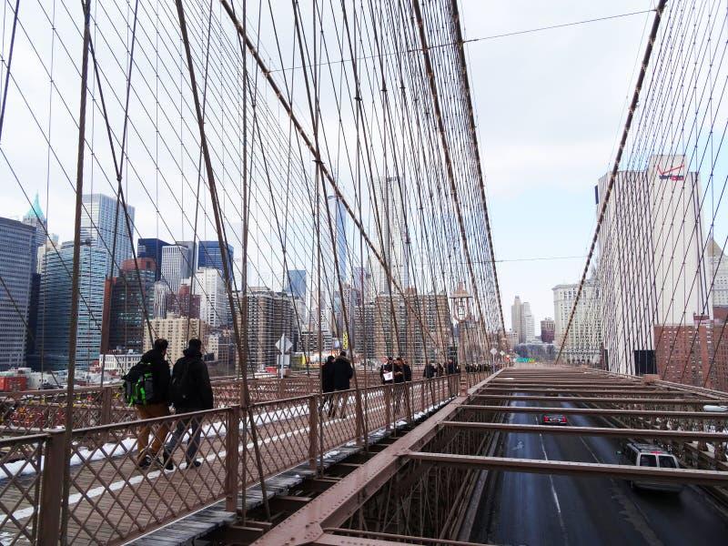 Van de brugweg en pedonal van Brooklyn gebieden, New York stock foto's