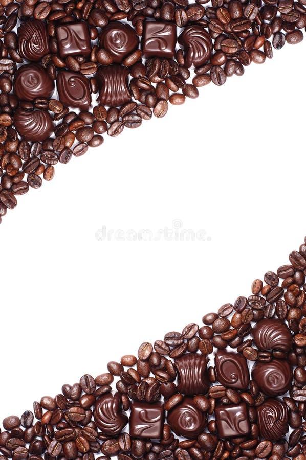 Van de chocoladesuikergoed en koffie bonen stock fotografie