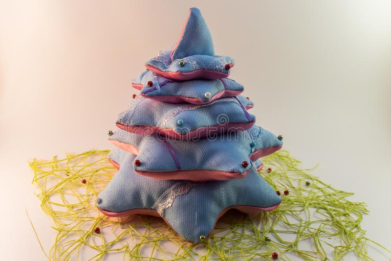 Van de de close-upboom van de Kerstmisdecoratie de mooie met de hand gemaakte pret stock foto