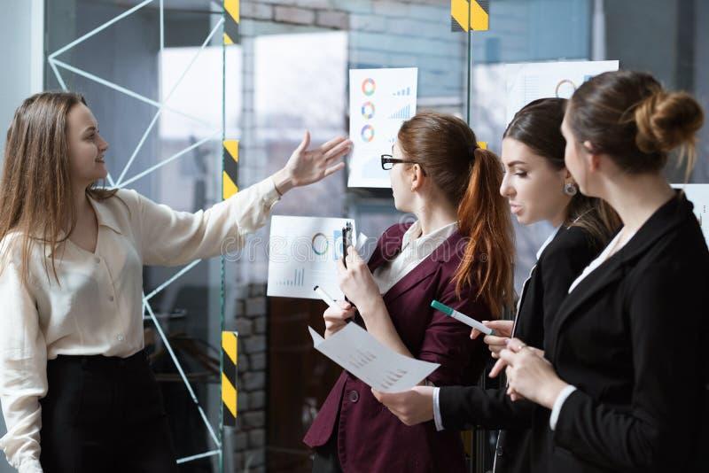 Van de commerciële presentatie vergaderings de collectieve strategie royalty-vrije stock afbeelding