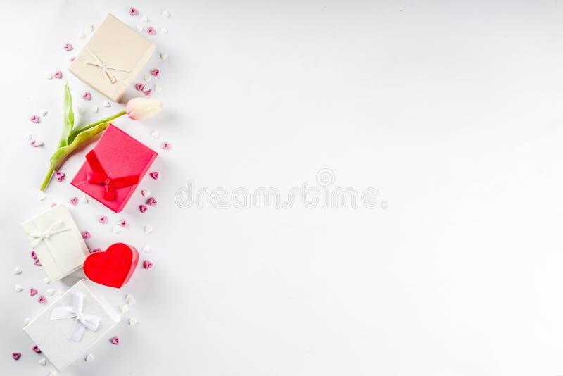 Van de daggiften van Valentine de achtergrond van de giftdozen stock afbeelding