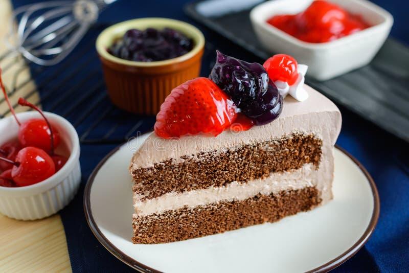 Van de de aardbeikers van het close-up heerlijke verse dessert de bosbessenfrui royalty-vrije stock afbeeldingen