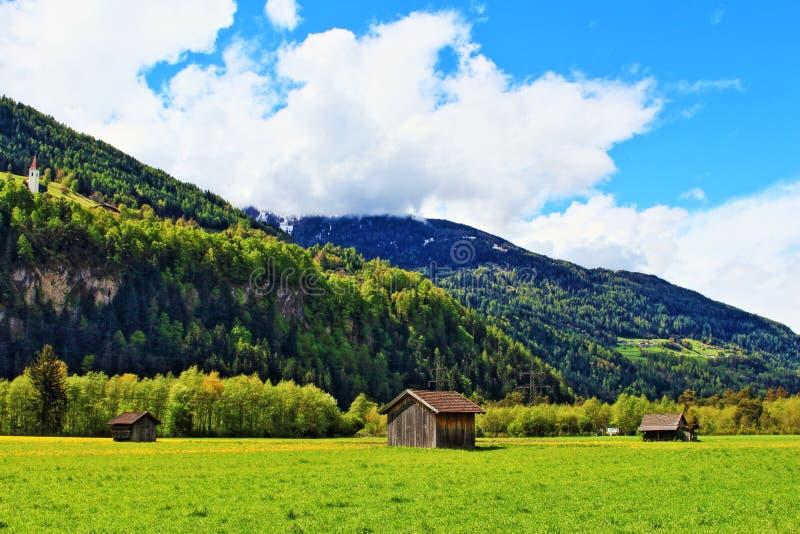 Van de de bergenlente van alpen de mening Zwitserland stock afbeeldingen
