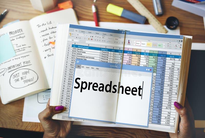 Van de de Gegevensanalyse van spreadsheetdocumenten het Aantekenvelconcept royalty-vrije stock fotografie