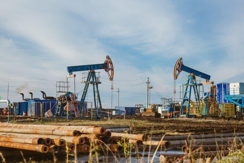 Van de de installatieenergie van de oliepomp de industriële machine voor aardolie royalty-vrije stock foto
