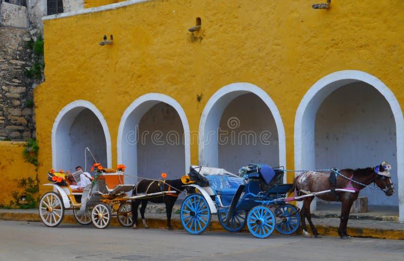 Van de de kerk geel Stad van Izamalmexico Yucatan het kloosterklooster royalty-vrije stock foto