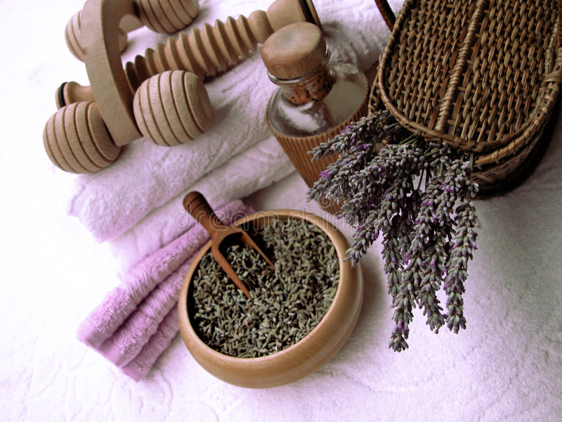 Van de de samenstellingsschoonheid en lichaamsverzorging van de lavendel producten stock fotografie