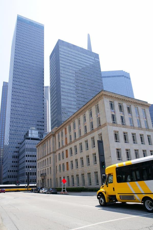 Van de de stadsspiegel van Dallas de de wolkenkrabbergebouwen van de binnenstad royalty-vrije stock afbeeldingen