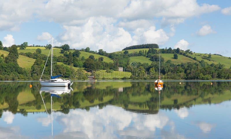 Van de de toeristenbestemming van het Meerdistrict populair mooi Engels van Noord- ullswater Cumbria Engeland in de zomer stock afbeelding
