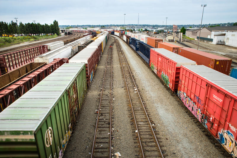 Van de de treinwerf van Seattle Interbay de lege sporen in het midden stock foto's