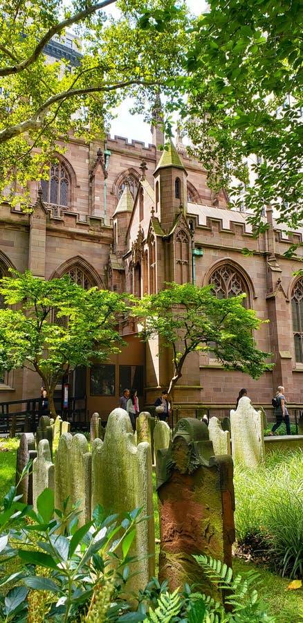 Van de de Drievuldigheidskerk van New York het Kerkhofperspectief royalty-vrije stock foto