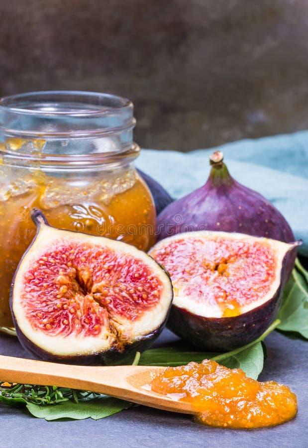 Van de fig.jam of marmelade domein en verse fig.vruchten royalty-vrije stock foto