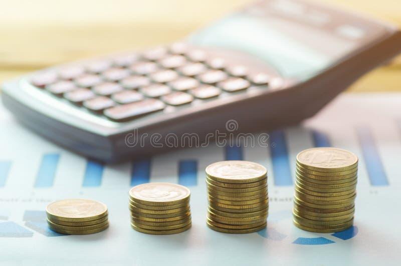 Van de financiën hoofdbankwezen en boekhouding concept, geldmuntstukken en c royalty-vrije stock foto's
