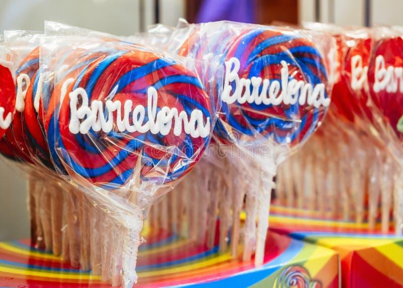 Van de de Herinneringswinkel van het lollysuikergoed de kleurrijke zoete reis van Barcelona Spanje stock afbeelding