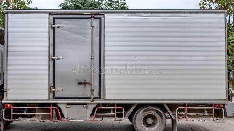 Van de het aluminiumcontainer van de vrachtwagenlading de deurkant stock fotografie