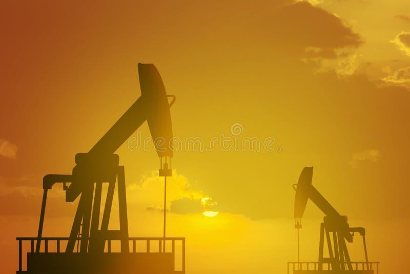 Van de het booreilandenergie van de oliepomp de industriële machine voor aardolie in royalty-vrije stock foto's