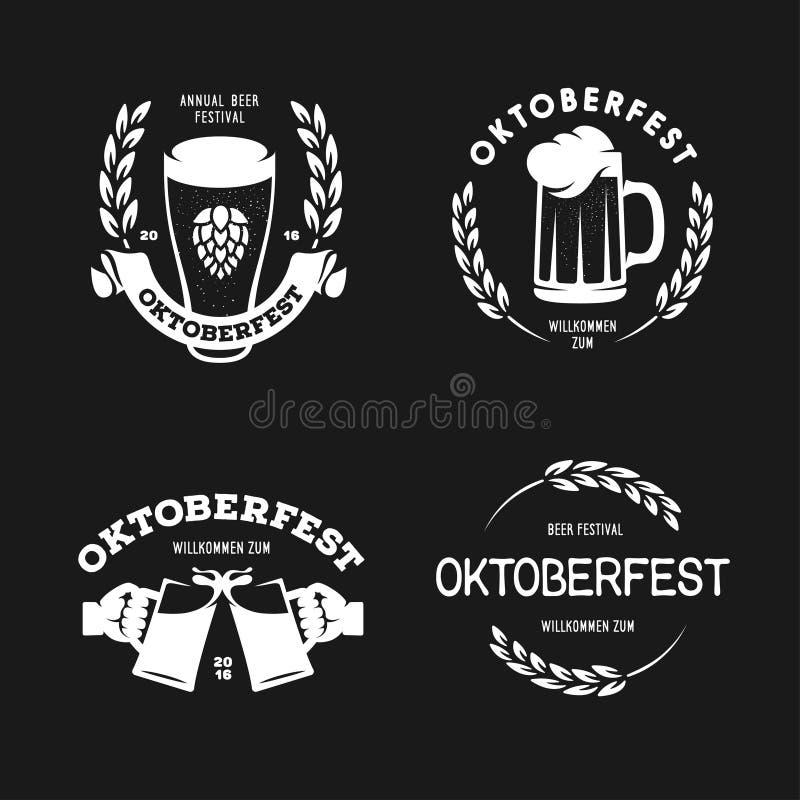 Van de het festival retro stijl van het Oktoberfestbier emblemen van de etikettenkentekens en ontwerpelementen Vector uitstekende royalty-vrije illustratie