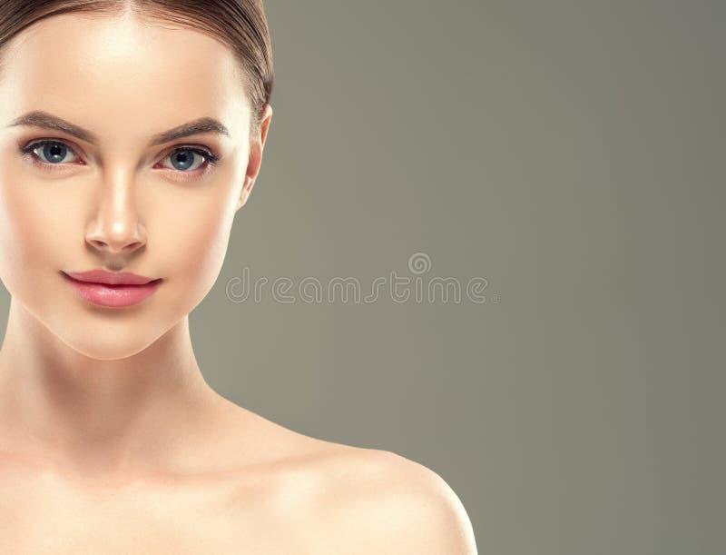 Van de het flard kosmetische vrouwelijke vrouw van het oogmasker het gezichts gezonde huid royalty-vrije stock fotografie