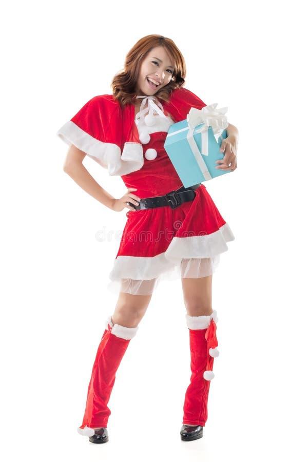 Van de het meisjesgreep van glimlach gelukkige Aziatische Kerstmis de giftdoos royalty-vrije stock fotografie