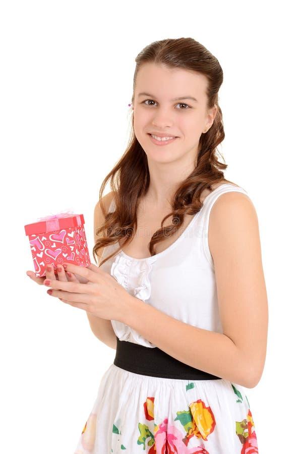 Van de het meisjesholding van de tiener de valentijnskaartengift royalty-vrije stock foto