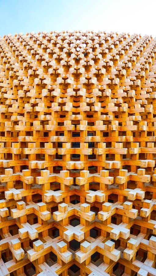 Van de het paviljoen de Houten voorgevel van Japan Wereld Expo 2015 stock afbeelding