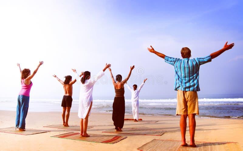 Van de het Strand het Openluchthorizon van de yogaklasse Concept van de de Ontspanningshemel royalty-vrije stock foto