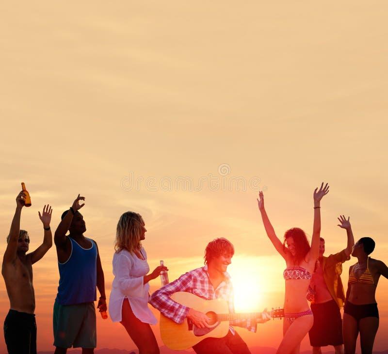 Van de het Strandpartij van de mensenviering van de de Zomervakantie de Vakantieconcept royalty-vrije stock foto