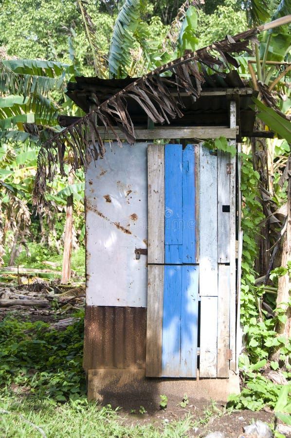 Van de het toiletbadkamers van het bijgebouw het zinkhuis Nicaragua royalty-vrije stock afbeeldingen