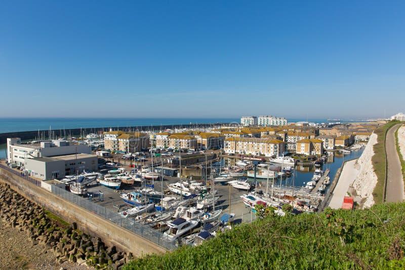 Van de jachthavenboten van Brighton het UK de jachten en de flats royalty-vrije stock afbeeldingen