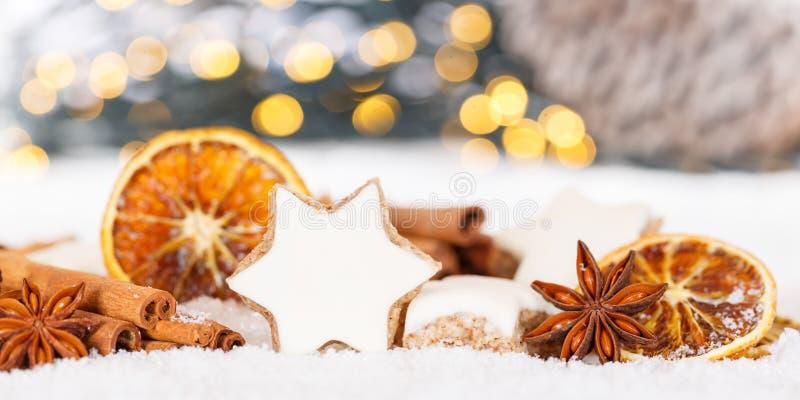 Van de de kaneelster van Kerstmiskoekjes van de de kruidenbanner de decoratie van de het bakselbakkerij stock foto's