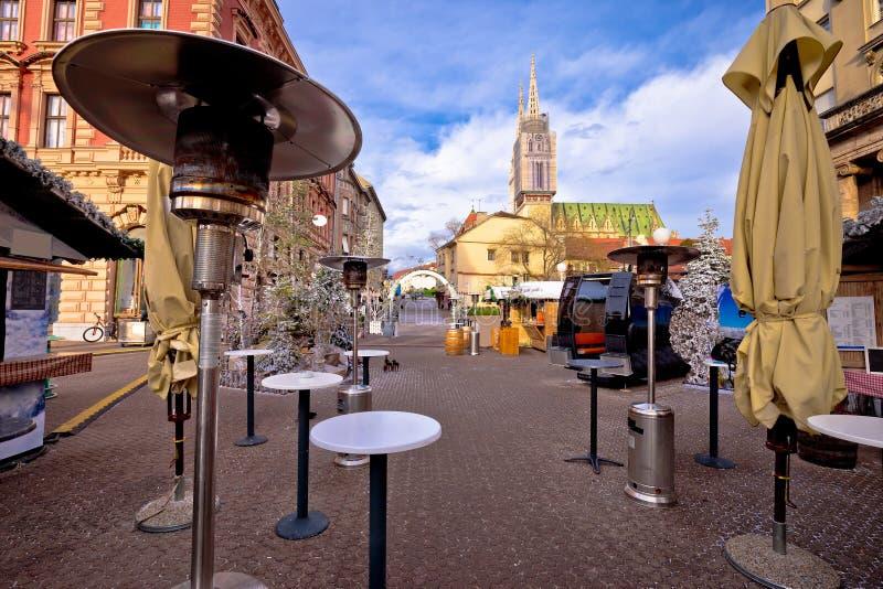 Van de Kerstmis eerlijke komst van Zagreb de straatmening, royalty-vrije stock foto