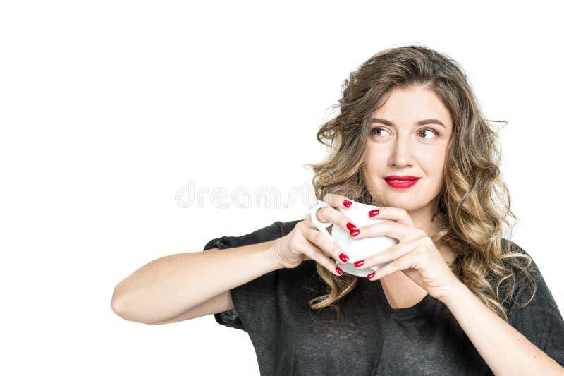 Van de de koffiethee van de meisjeskop jonge vrouw die de vrij van drank genieten stock foto's