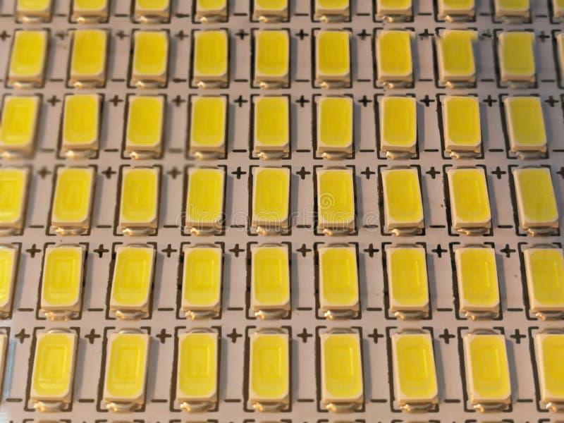 Van de LEIDENE van ThePunten witte, gele de punten abstracte achtergrond het schermgradiënt royalty-vrije stock afbeeldingen
