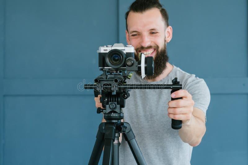 Van de de mensenspruit van de cameramanlevensstijl het videomateriaal stock afbeelding